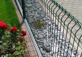 Zaun und Spaliergerüst