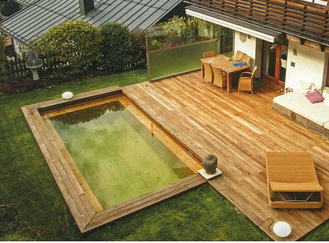 Holzschwimmbad / Piscine en bois